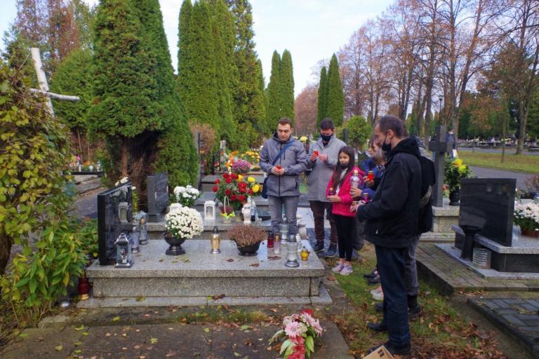 Lublin: Znicze na wołyńskich grobach