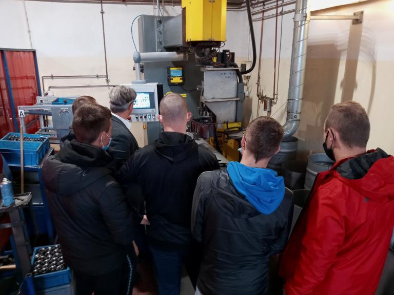Wycieczka uczestników 11-23 Hufca Pracy do firmy Kospel w Damnicy