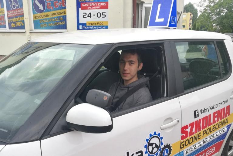 Prawo jazdy dla uczestników