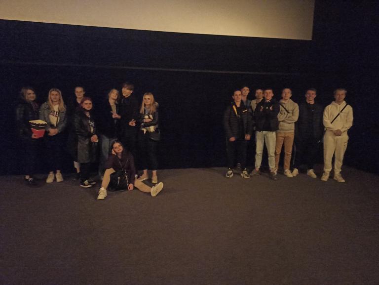 Wycieczka do kina z 11-12 Hufcem Pracy w Gdyni