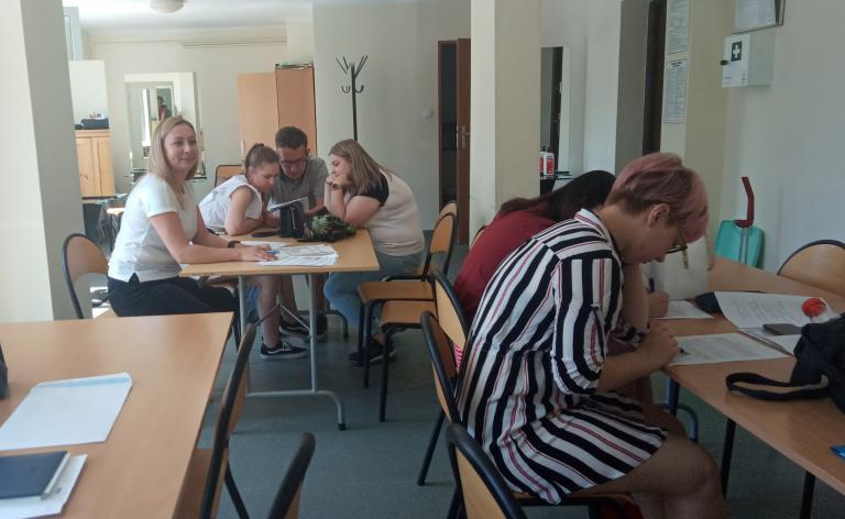 Zajęcia z uczestnikami 11-7 Hufca Pracy w Zespole Szkół Kreowania Wizerunku