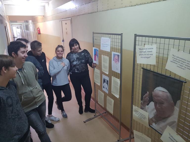 43. rocznica wyboru Karola Wojtyły na Papieża w 11-5 Hufcu Pracy w Lęborku
